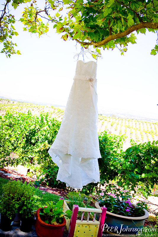 thacher winery wedding peerjohnson10 Thacher Winery Wedding in Paso Robles!